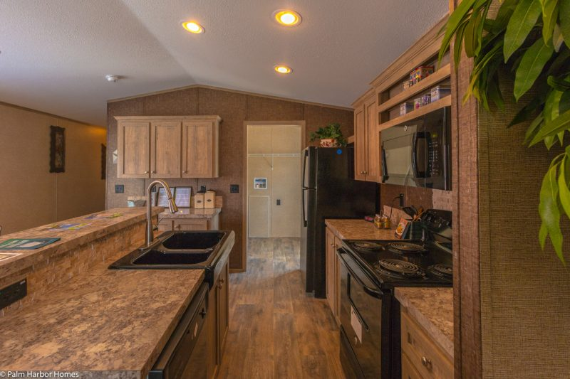 the cabana iii manufactured home cabin kitchen to utility 1280 8 - 4
